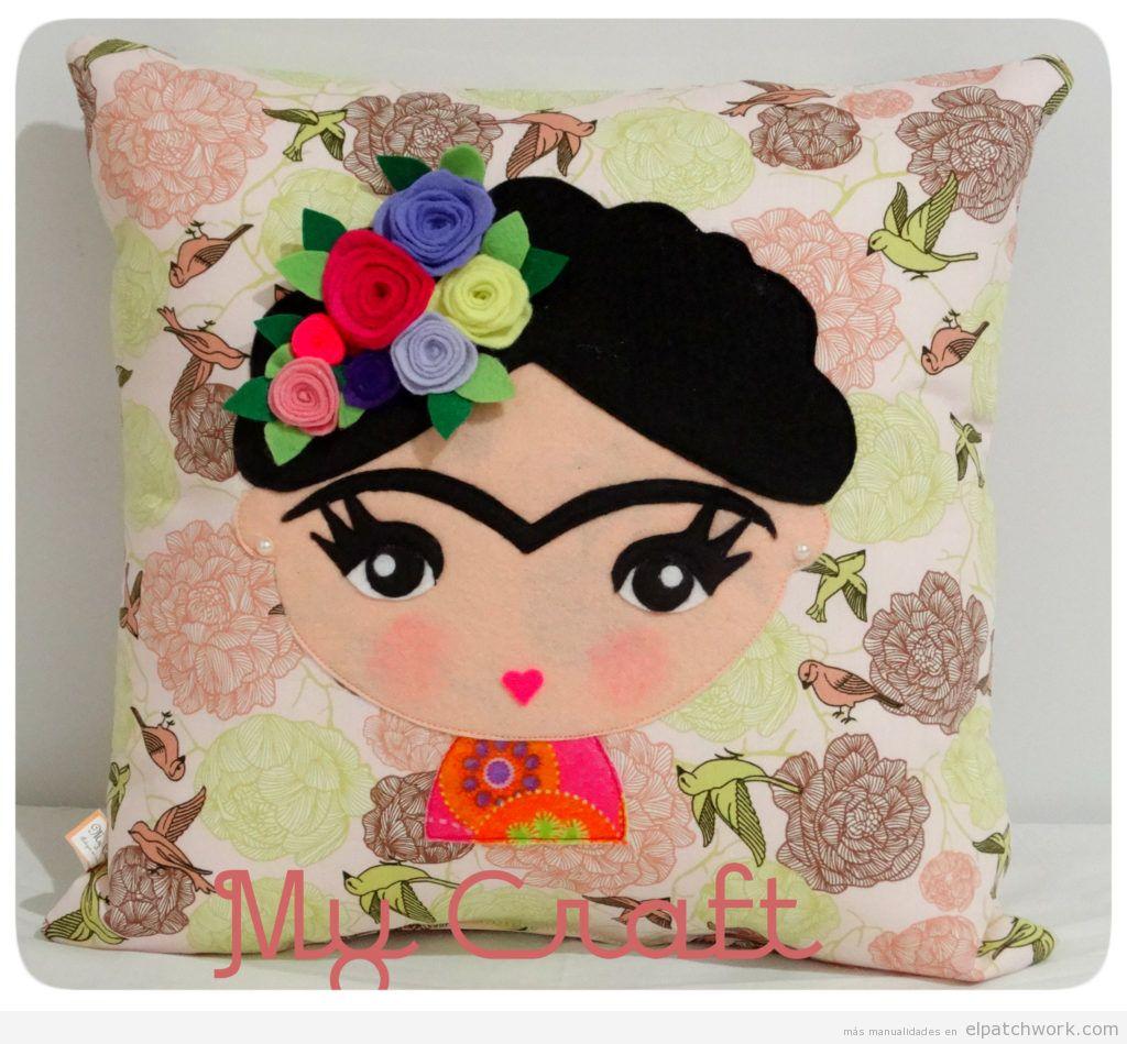 Cojín patchwork Frida Kahlo