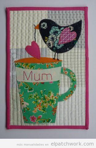 Manualidades patchwork Día de la Madre, protector de mesa 2