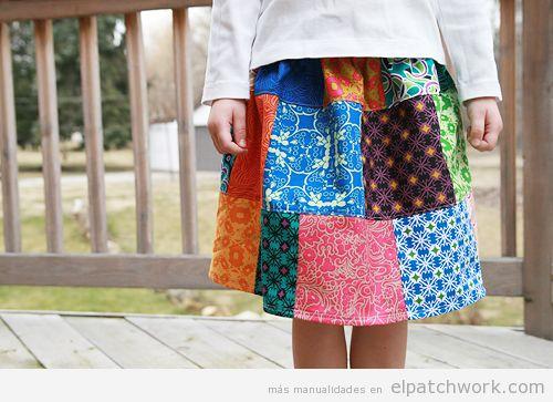 Falda de patchwork corta