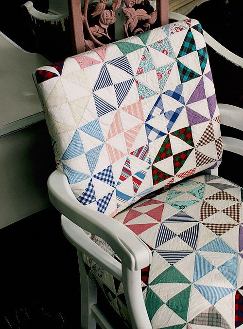 Silla con cojines de patchwork