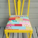 Trucos para renovar tus sillas antiguas con tapizado patchwork